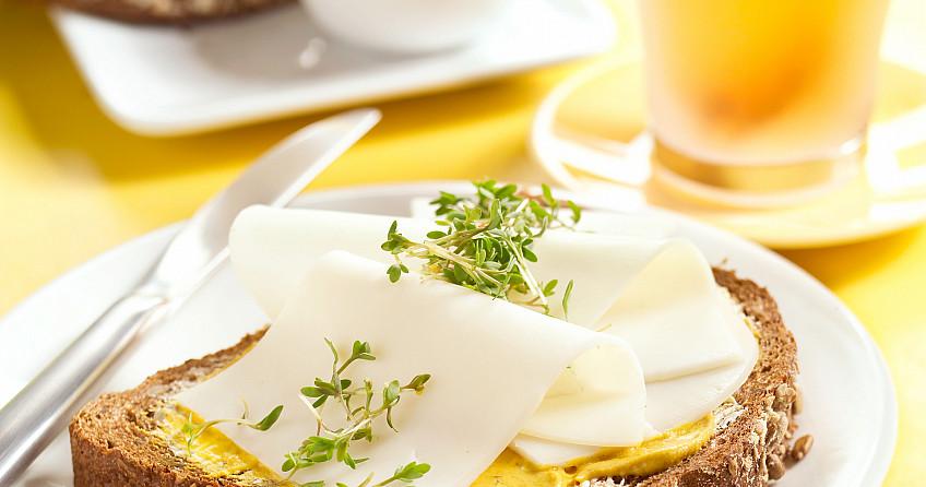 Geitenkaas met mosterd